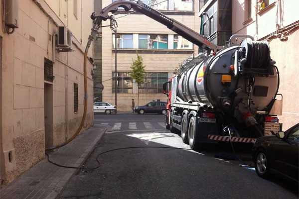 empresas de desatascos Lleida camión aspiradora